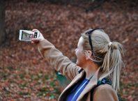 Latar Belakang Selfie