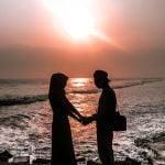 romantisme sunset di pemecah ombak pantai glagah