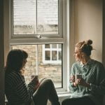 Berbaik Hati dengan teman yang memiliki tempat tinggal yang dekat dengan sumber wifi