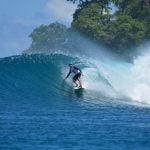 Menaklukkan Ombak di Kepulauan Banyak