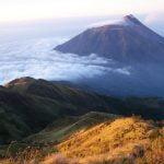 Gunung Lawu dari jawa timur