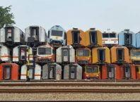 Pesona Kuburan Kereta Yang Begitu Unik di Stasiun Purwakarta