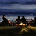 bukit moko bandung yang menyajikan panorama malam yang indah