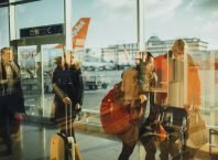 3 Tips Mudah Menjaga Tas Agar Aman Di Bagasi Pesawat