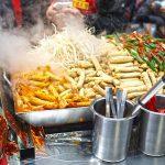 Penjual makanan dipinggir jalan