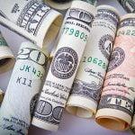 Bayarlah Menggunakan Mata Uang Lokal