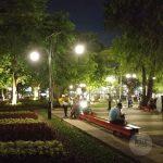 Taman Balai Kota Bandung Malam Hari