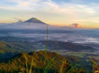 Sunrise dari Puncak Suroloyo