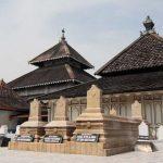 Makam Raja Demak, Image By : padasuka.id