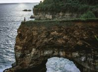 Pantai Karang Bolong Pacitan, Image By IG : @tio.ngrho