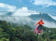 Wahana Spot Foto Sepeda Gantung Di Ranggon Hills, Image By IG : @ranggonhills