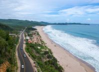 Pantai Soge Pacitan. Image by IG : @muhfauzy