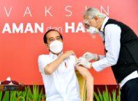Presiden Joko Widodo menjadi peserta pertama yang menerima vaksin #COVID19 pertama di Indonesia.