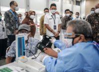 Menparekraf Tinjau Sentra Vaksinasi Traveloka di Yogyakarta