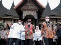 Sandiaga Undang Investor Kembangkan Pariwisata di Padang Panjang